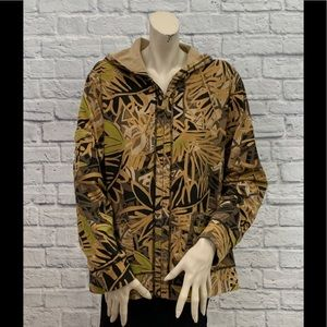 ZENERGY BY CHICO'S CAMO JUNGLE PRINT JACKET